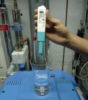 pH-måler for flytende materialer